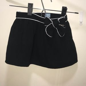Baby Gap 18-24m black skirt with bow
